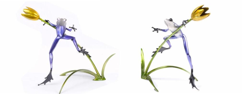 Belle Fleur flower sculptureont & back